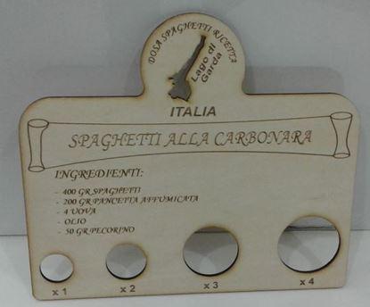 Immagine di Dosa spaghetti in legno- lago di Garda con ricetta Carbonara